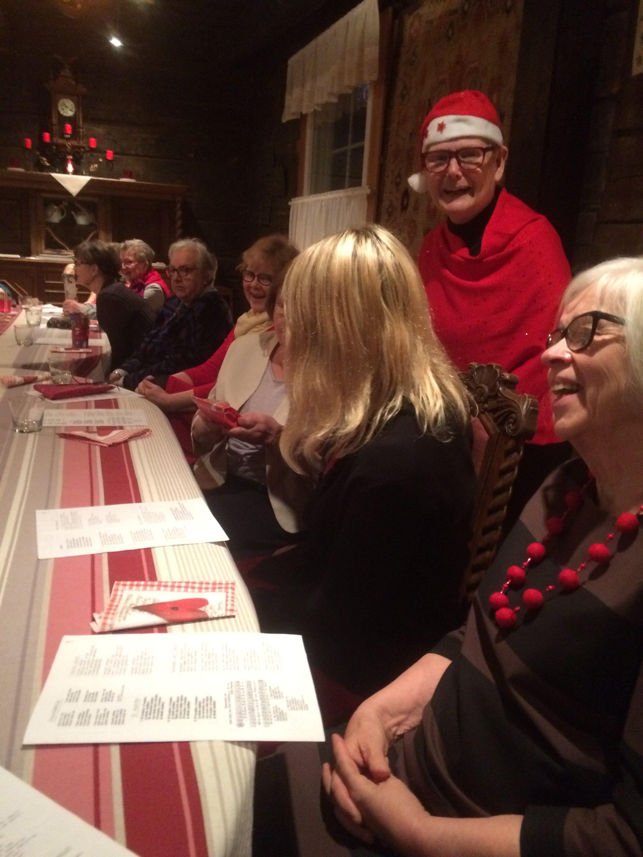 Kalevala Koru ja Kalevalaisten Naisten Liitto järjestävät puurojuhlia paikkakunnan yksinäisille