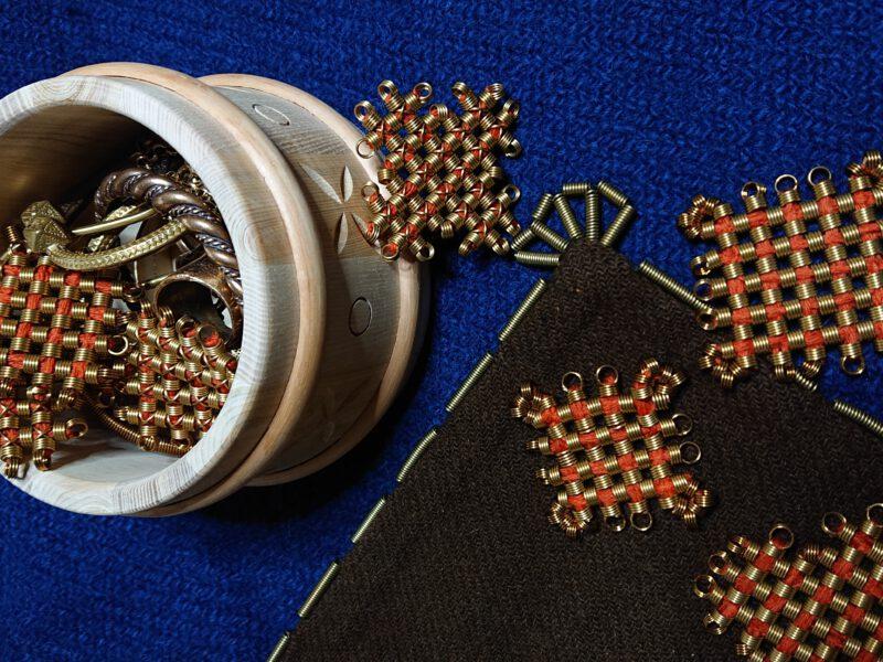 Rautakauden korut – kuka valoi koruvasket, väänsi pronssispiraalit?